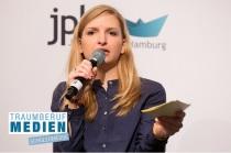 Medien Podiumsdiskussion in Hamburg Moderatorin Janine Mehner